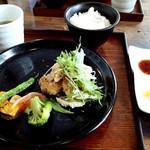 Aix cafe - ごはん定食(名物牛カツ冬野菜添え4種のディップソース添え)