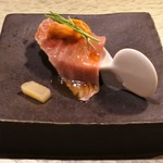 神戸炉釜工房 - 神戸牛肩ロースの炙り一口寿司