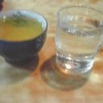 佐乃竹 - 御茶と冷水の両方が出てきます