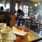 喫茶チロル - 落ち着く空間です☆