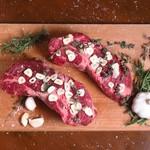 シュラスコ&ビアレストラン ALEGRIA - 【ガーリックステーキ】ニンニクたっぷり  肉のうま味を引き出す1番のスパイス。