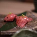 近江うし 焼肉 にくTATSU - サーロインの炙り寿司