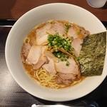 118934917 - 2019年11月 チャーシュー麺 990円