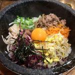 ソムシバン - 料理写真:石焼ナムルビピンパ