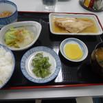 魚市場食堂 - 本日の定食 煮魚定食