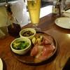 ピッツェリア カルモ - 料理写真:前菜盛り合わせと生ビール