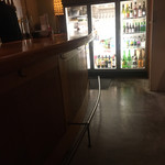 本町廣屋 - センターの冷蔵庫には魅惑のボトルが沢山あるのです
