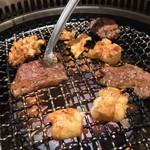 神田焼肉 俺の肉 - 神田焼肉 俺の肉 南口店(東京都千代田区鍛冶町)MIXホルモン