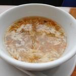 謝朋殿 - チャーハンのスープ