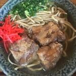 御殿山 - 軟骨ソーキそば大(900円)/胚芽麺