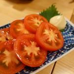 ホルモン鍋 暖 - トマトスライス
