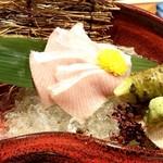 地酒蔵大阪 - 天然ブリ 大トロ造り♪ ヤバイぐらい美味しかったです