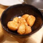 ホルモン鍋 暖 - にんにく揚げ