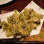 だいだらぼっち - 野沢菜の天ぷら 490円