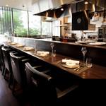 レストラン ラ・フロレゾン・ドゥ・タケウチ - 内観写真:
