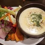 イタリアン酒場ナチュラ - 色々野菜のバーニャカウダ✨