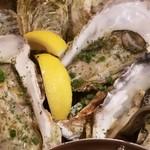 イタリアン酒場ナチュラ - 生牡蠣まぁまぁ