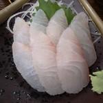 小笠原食堂 - 間違って提供された真鯛刺身