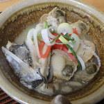 小笠原食堂 - 間違って提供された真鯛の煮物