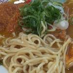 インドのとなり - カツカレーラーメン、麺とスープがまっちして、うーまーいーぞー!