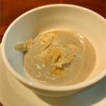 Nodorosso - アミューズのキノコスープ、もちろんトリュフかけ
