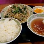 川平飯店 - レバニラー定食800円