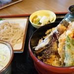 三城 - ミニ丼とミニ蕎麦セット(¥1232税込み)