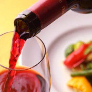 種類豊富なこだわりのワイン、あなただけのオリジナルカクテル!