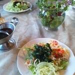カントリーダイナー - 前菜のサラダです
