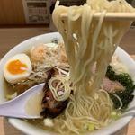 119000104 - 塩チャーシューワンタン麺 大盛り 麺リフト