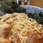 屯ちん - 麺の表情。