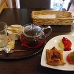 野坂茶屋 - ダージリン&アップルパイ