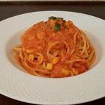 ヴィア トスカネッラ - スパゲッティ・ツナとトウモロコシのトマトクリームソース(2019.10-1)