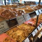 つっちゃまのあんぱん - 優しく、ファミリー向けのパンたちが並びます(2019.11.4)