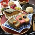 119020124 - 生麩の揚げ焼き?、鰆の西京焼き、右上は汲み上げお豆腐(だったハズ)
