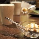 """馬肉×ワイン 気まぐれバル 恵比寿 Whim - """"お口直し:エスプレッソアイス"""""""
