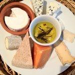 ル・リオン - チーズ盛り合わせ