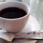 デセールカワウチ - ケーキセット(650円) ホットコーヒー