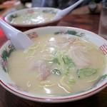 ふじや - 料理写真:スープはマイルド、麺はもっちり