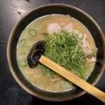 玄屋 - 醤油拉麺 650円