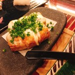 男前料理 虎ノ門 はらから hara-kara - 栃尾に油揚げ 上にはチーズ