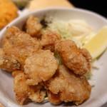 ホルモン鍋 暖 - 鶏の唐揚げ
