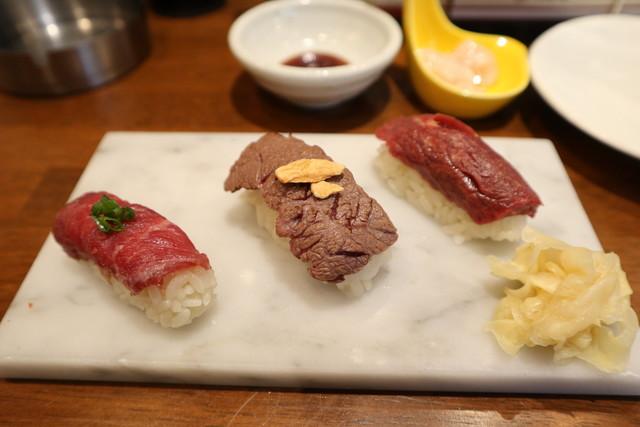 肉 寿司 水戸