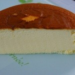 りくろーおじさんの店 - チーズケーキ588円カット あったかくても冷たくても美味しい