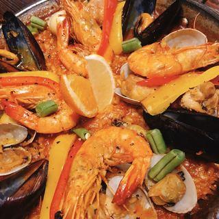 スペイン料理と自然派ワイン LUZ