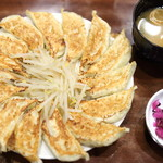 119045425 - 石松餃子定食。15個入り。