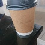 ザ・ロースターズ - ホットコーヒー400円。残念ながら、ポットから注がれたコーヒーでした。
