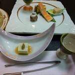 南平台温泉ホテル - ピスタチオ豆腐と食前酒