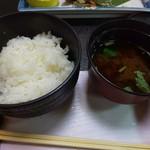 南平台温泉ホテル - 栃木県産こしひかりと赤出汁