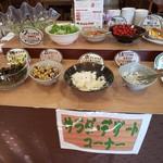 南平台温泉ホテル - 朝食バイキングのサラダ